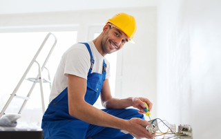 How to Become an Electrician: The 6 Basic Steps