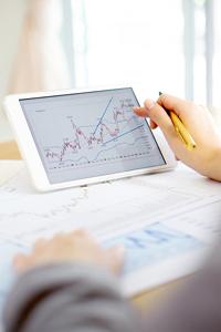 Benefits of Studying Economics