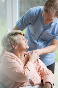 Personal support worker with elderly patient